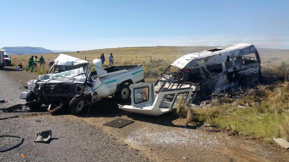 9 Killed in horrific crash between Zastron and Sterkspruit