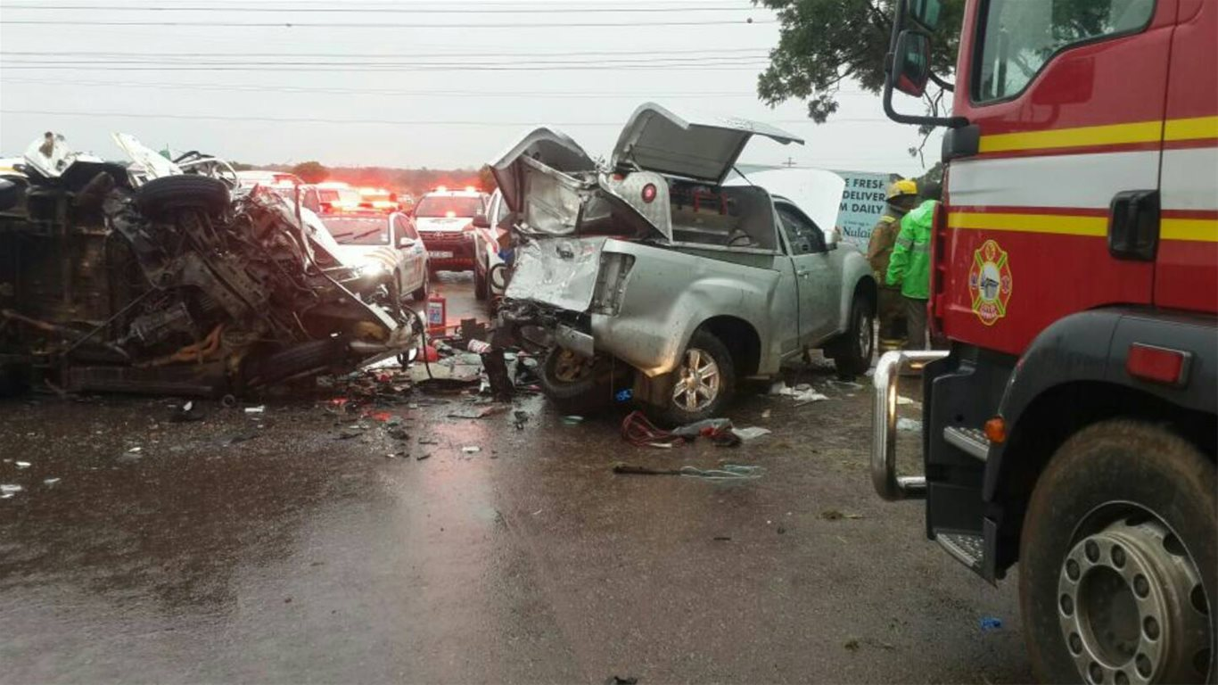 scene of horror fatal crash at hammanskraal, north of pretoria