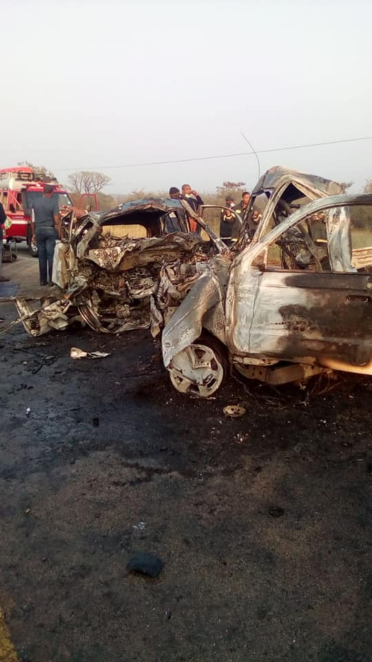 Six persons burned beyond recognition in crash on the