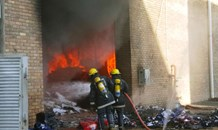 3 Hurt in building fire in Clairwood, Durban