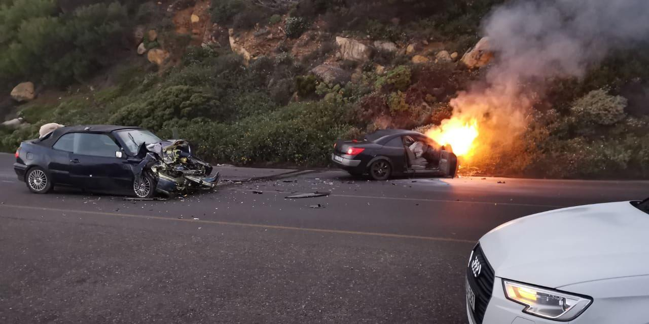 Cape Town: Four injured in fiery crash - Arrive Alive