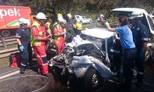 79 year old trapped in vehicle following Kloof collision