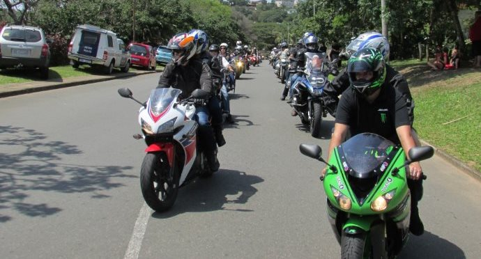 Should group sizes be limited in size to ensure safer sharing of the roads with other riders?