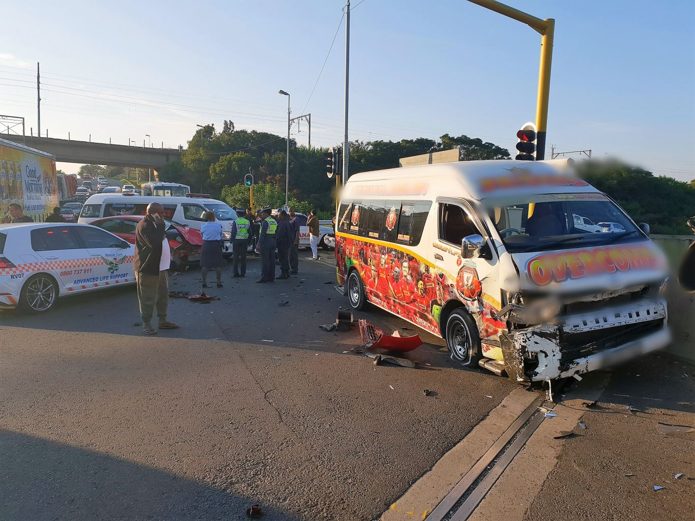 Nine people injured in a Taxi Crash on the M1 Higginson Highway over