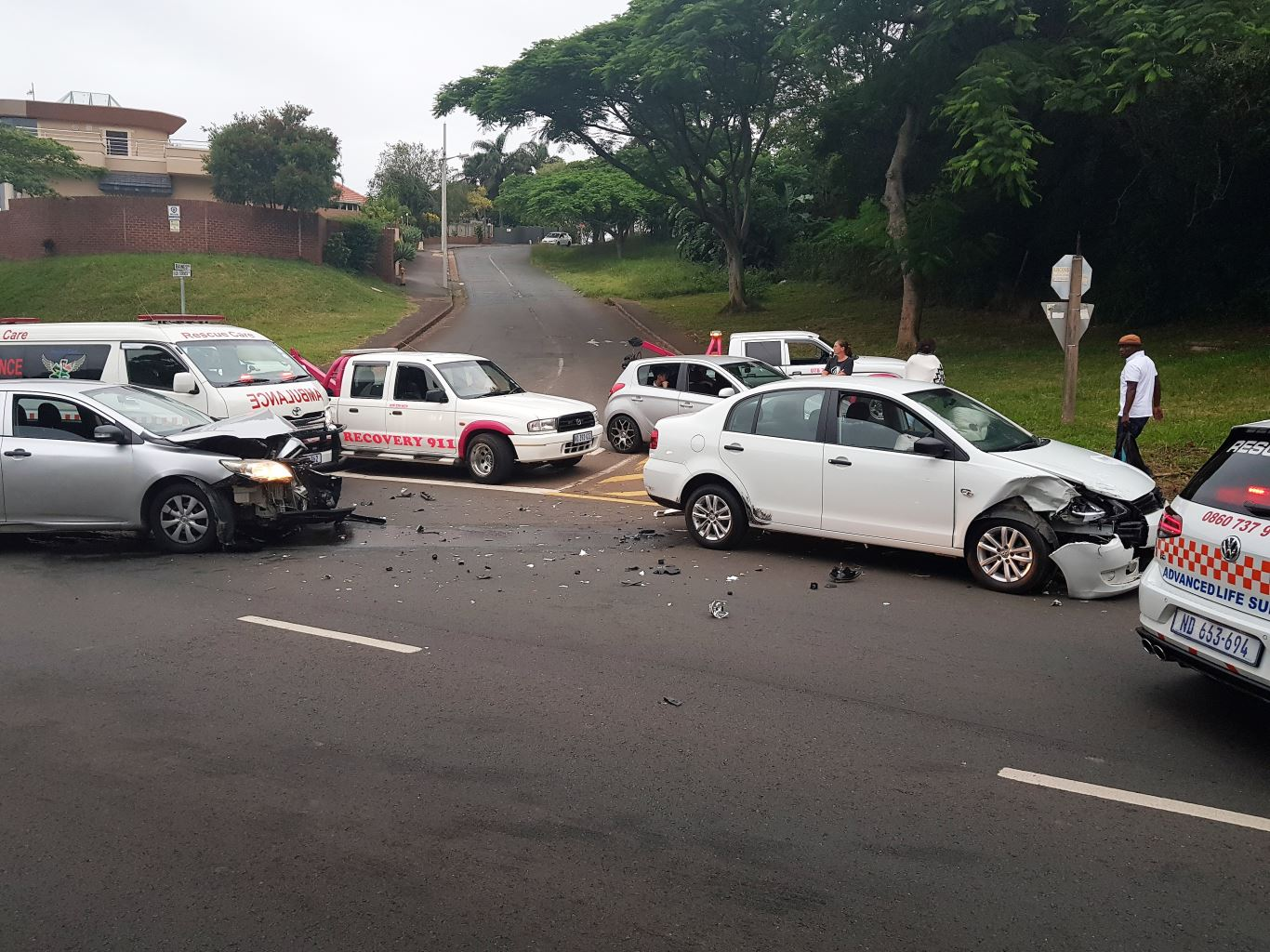 3 Injured in crash on Rick Turner Road near Baines Road in Umbilo