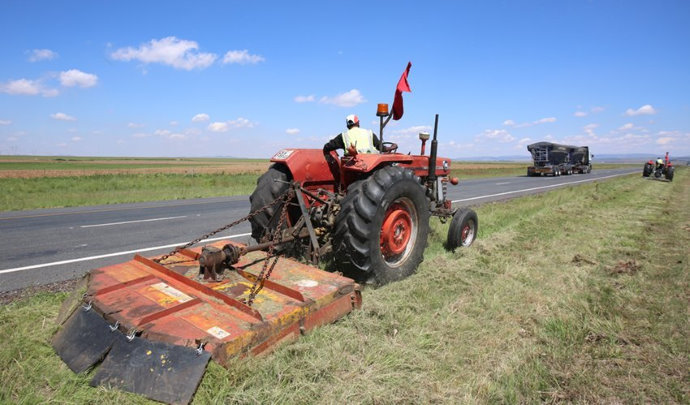 Safe Driving in Areas of Grass Cutting