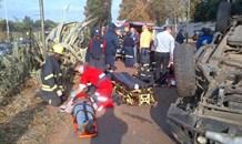 Three men injured after bakkie rolls off the R24 in Bedfordview