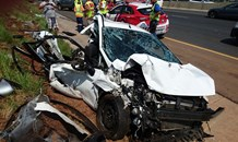Three vehicle collision leaves one dead, another injured on the N12 in Putfontein