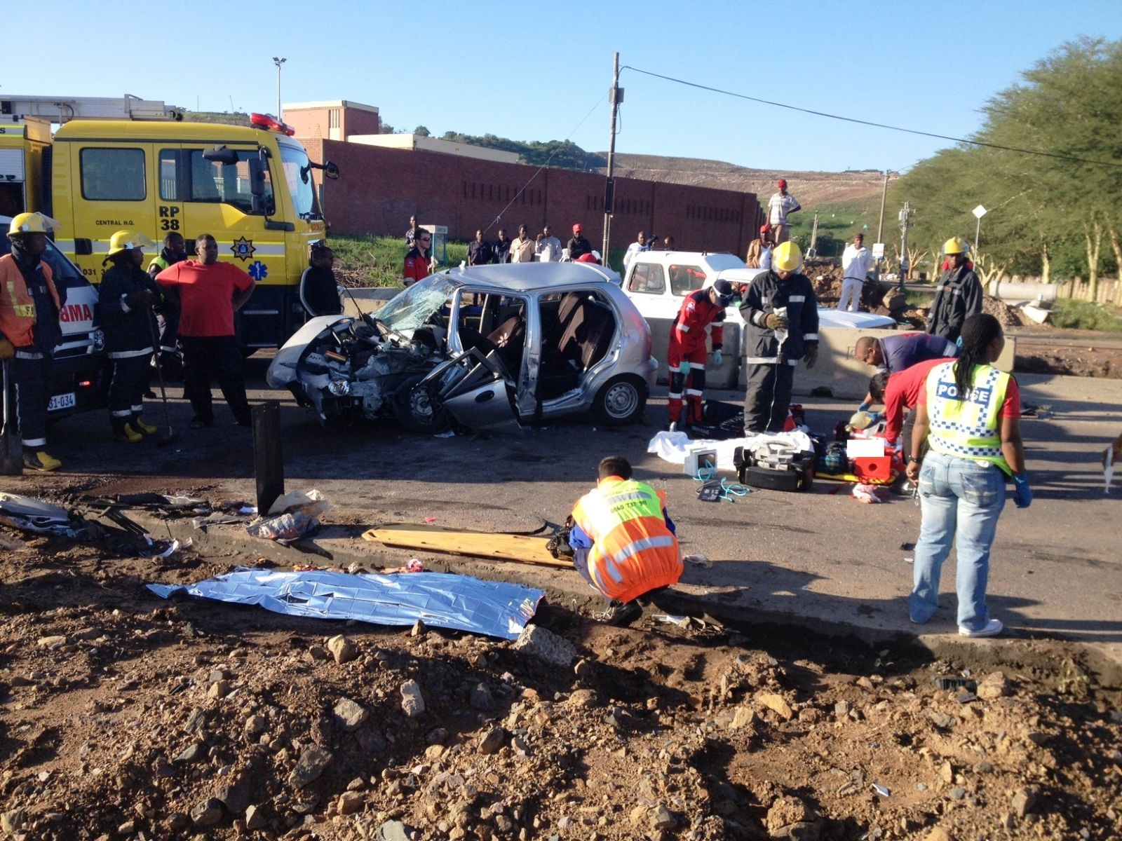 Early morning crash on Umgeni road leaves 1 dead and 4 injured, 1 ...