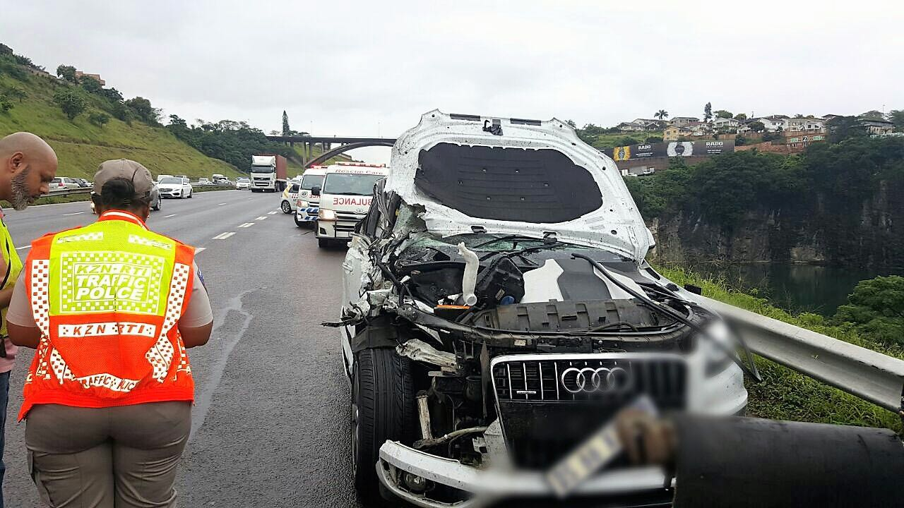 11 Injured in 5 car pile-up on the N2 North bound near Umgeni Road ...
