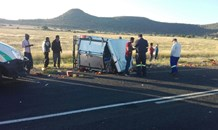 One injured in bakkie rollover near Bloemfontein