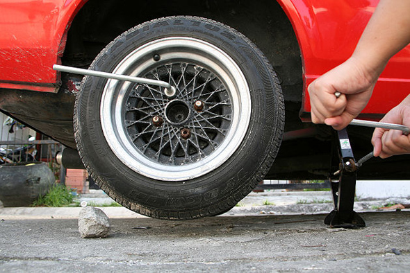 the effective steps in changing a flat tire Procedure: changing a flat tire procedure: changing a flat tire ‐ 1 ‐ date of preparation: june 25, 2004 date of revision: june 25, 2004.